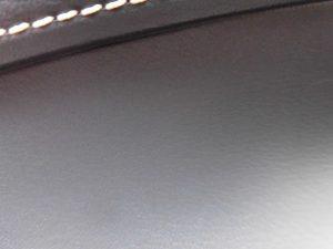 横浜市のお客様 ハリアーダッシュボード傷修理
