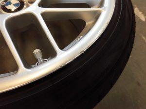 立川市 BMWハイパーシルバーアルミホイール傷修理
