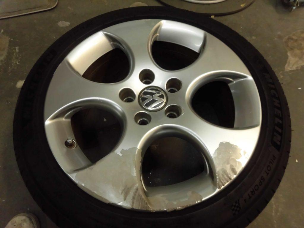 日野市 VWアルミホイール傷修理