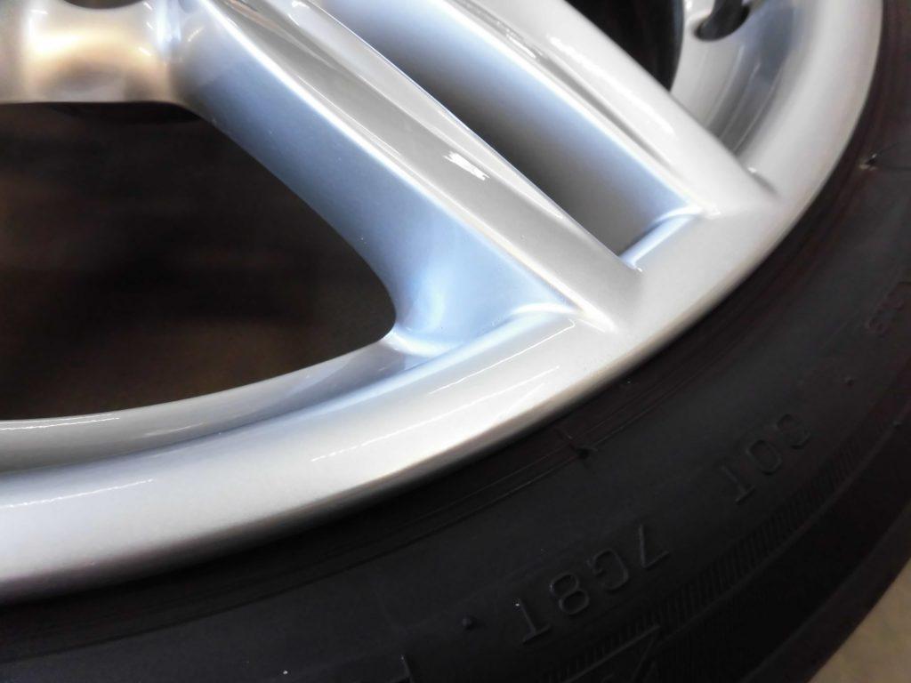 入間市 BMWシルバー塗装ホイール傷修理