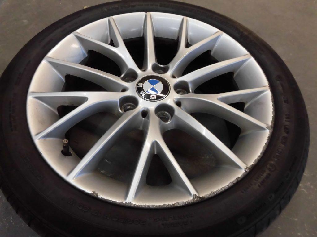 入間市 BMWシルバーホイール傷修理