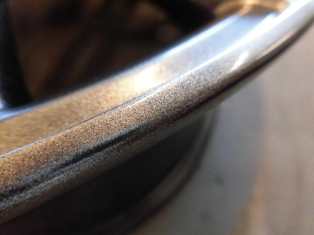 武蔵村山市 シルバー塗装ホイール傷修理