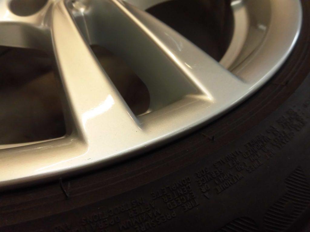 府中市 BMWシルバー塗装ホイール傷修理