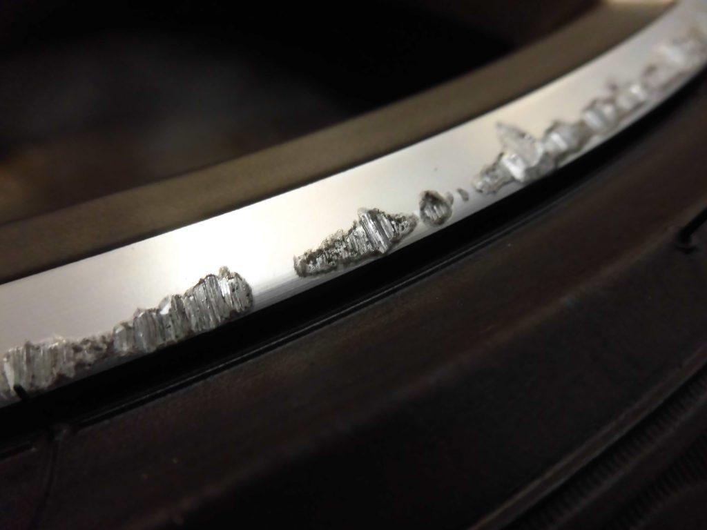 八王子市 BMWポリッシュホイール傷修理