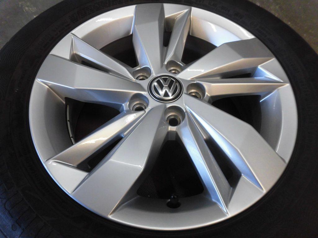八王子市 VWシルバー塗装ホイール傷修理
