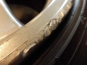 青梅市 R32ガンメタホイール傷修理