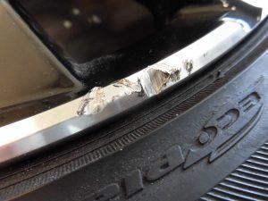 立川市 ポリッシュアルミホイール傷修理